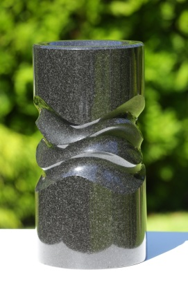 Wave Column, Black Granite, 2800.